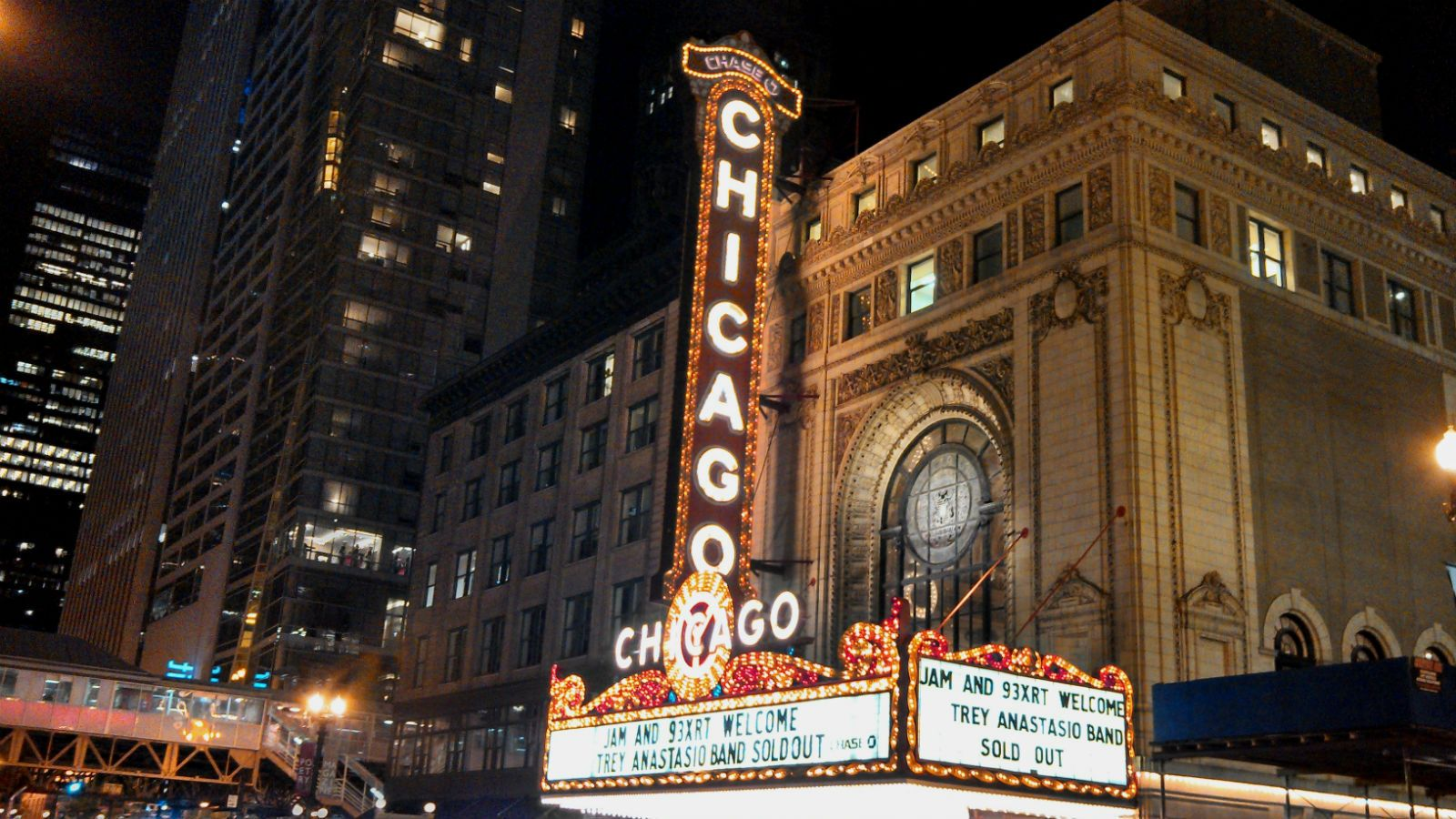 Things to do in Chicago - Chicago Theatre